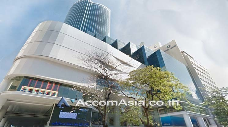 For Rent Retail Space 104 sqm in Bangkok, Central, Thailand   Ref. TH-JSJPKGIQ