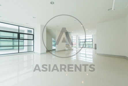 For Rent House 480 sqm in Lat Phrao, Bangkok, Thailand
