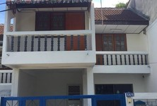 For Sale 4 Beds Townhouse in Mueang Songkhla, Songkhla, Thailand