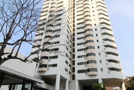For Sale or Rent 4 Beds Condo Near BTS Phrom Phong, Bangkok, Thailand