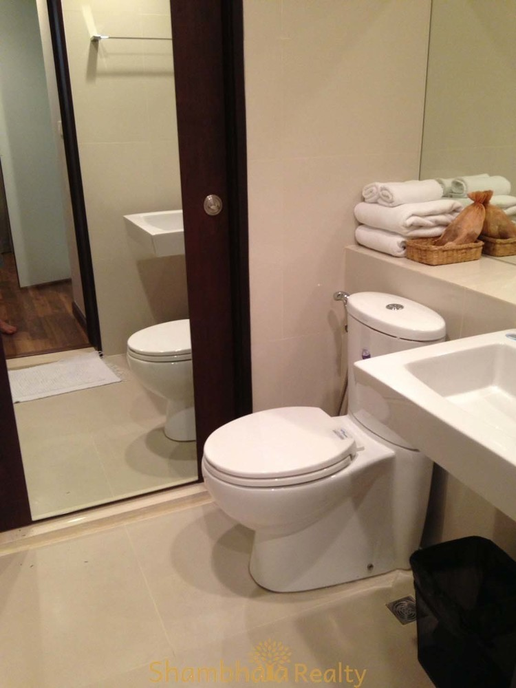 which tiles are best for bathrooms the rajdamri for or rent 1 bed condo bts 25866