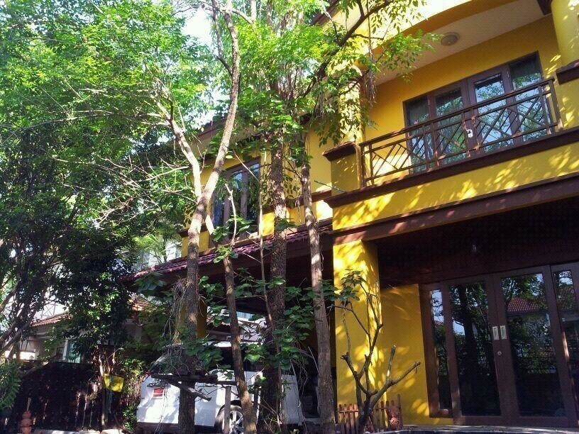 For Sale 4 Beds House in Chatuchak, Bangkok, Thailand   Ref. TH-POLGJEYD