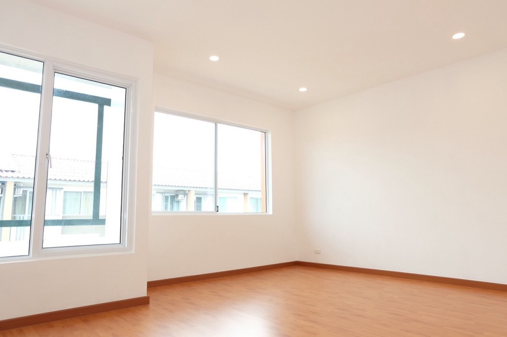 For Sale 3 Beds タウンハウス in Mueang Nonthaburi, Nonthaburi, Thailand   Ref. TH-GXMESBSN