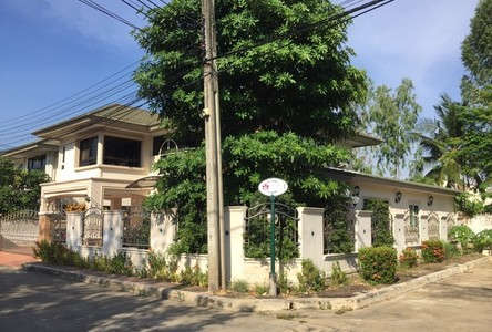For Sale 5 Beds House in Phasi Charoen, Bangkok, Thailand