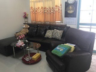 For Rent 3 Beds Townhouse in Mueang Nakhon Pathom, Nakhon Pathom, Thailand | Ref. TH-RVEUMFYA