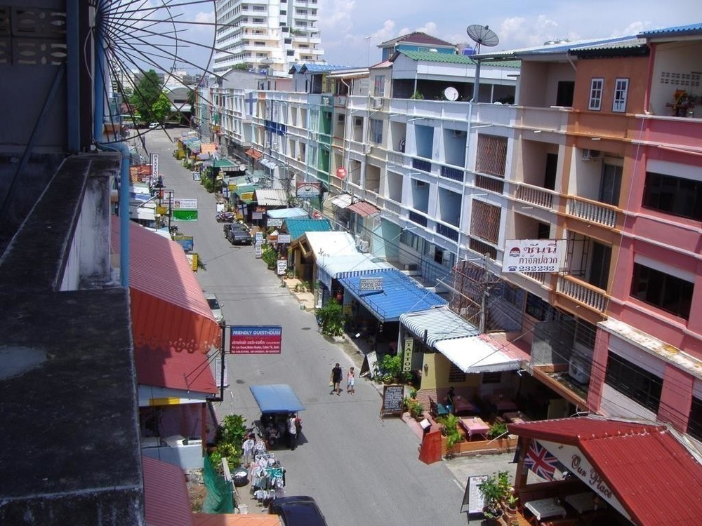 For Sale or Rent 13 Beds Shophouse in Bang Lamung, Chonburi, Thailand | Ref. TH-GWRDESIY