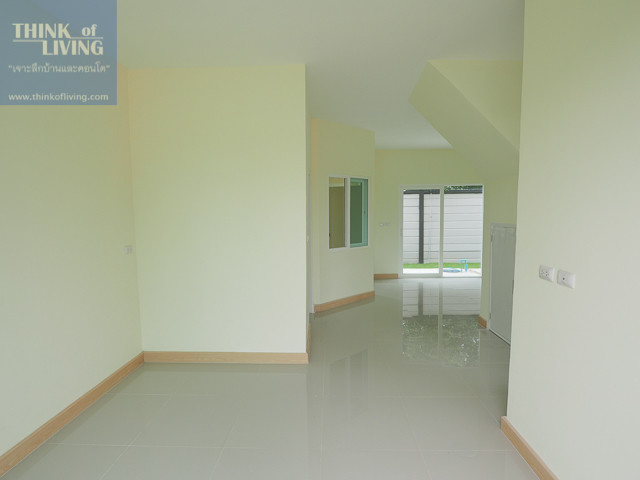 For Rent 3 Beds タウンハウス in Mueang Nakhon Pathom, Nakhon Pathom, Thailand | Ref. TH-BRUDCTRI