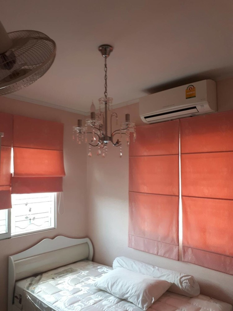 For Rent 3 Beds タウンハウス in Mueang Pathum Thani, Pathum Thani, Thailand   Ref. TH-DQIQBNMG