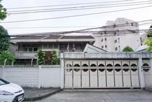 For Sale 5 Beds 一戸建て in Din Daeng, Bangkok, Thailand