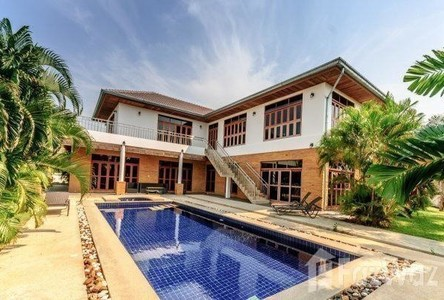 For Sale 4 Beds 一戸建て in Cha Am, Phetchaburi, Thailand