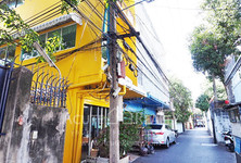 For Sale 7 Beds Shophouse in Bang Rak, Bangkok, Thailand