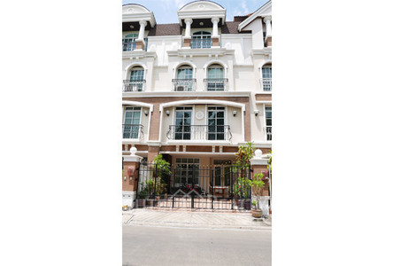 For Sale 5 Beds Townhouse in Yan Nawa, Bangkok, Thailand