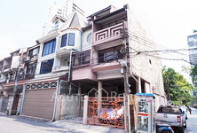 For Rent 5 Beds タウンハウス in Watthana, Bangkok, Thailand