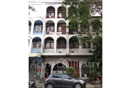 For Sale 7 Beds Shophouse in Watthana, Bangkok, Thailand