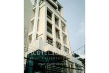 For Sale or Rent 4 Beds 一戸建て in Bang Rak, Bangkok, Thailand
