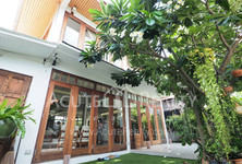 For Sale 2 Beds House in Dusit, Bangkok, Thailand