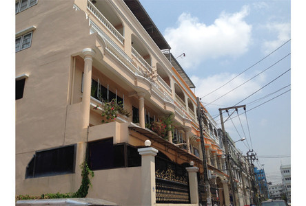 For Sale Townhouse in Chom Thong, Bangkok, Thailand