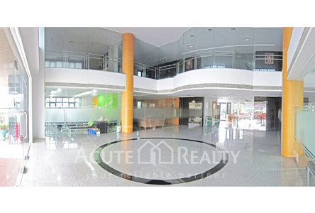 For Rent Office 2,200 sqm in Bang Phli, Samut Prakan, Thailand