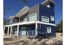 For Rent 4 Beds 一戸建て in San Sai, Chiang Mai, Thailand