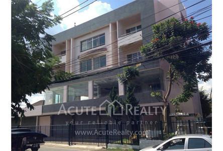 В аренду: Шопхаус с 8 спальнями в районе San Kamphaeng, Chiang Mai, Таиланд