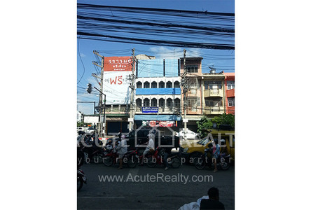 For Sale or Rent 3 Beds Shophouse in Mueang Chiang Mai, Chiang Mai, Thailand
