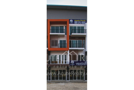 For Sale 3 Beds Shophouse in San Kamphaeng, Chiang Mai, Thailand