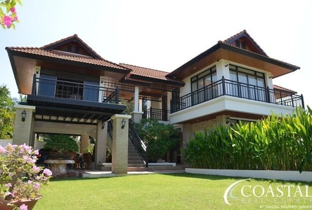 For Sale 4 Beds 一戸建て in Sattahip, Chonburi, Thailand