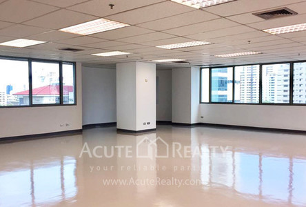 For Rent Office 135 sqm in Watthana, Bangkok, Thailand