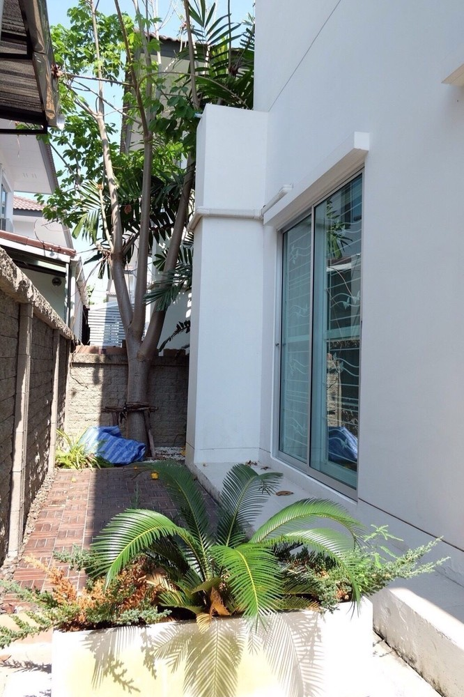 For Sale 3 Beds House in Bang Phli, Samut Prakan, Thailand | Ref. TH-NFPUVMYY