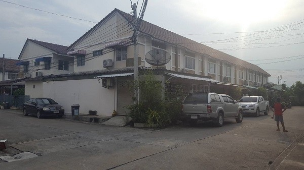 For Sale 3 Beds タウンハウス in Bang Bua Thong, Nonthaburi, Thailand | Ref. TH-WKOKFWZH