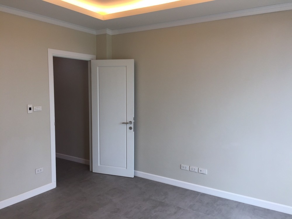 For Rent 3 Beds Townhouse in Mueang Phatthalung, Phatthalung, Thailand | Ref. TH-CUPSYPXW