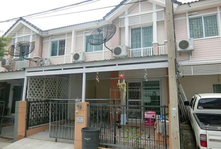 Продажа: Таунхаус с 3 спальнями в районе Mueang Pathum Thani, Pathum Thani, Таиланд