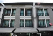 Продажа или аренда: Таунхаус с 3 спальнями в районе Wang Thonglang, Bangkok, Таиланд