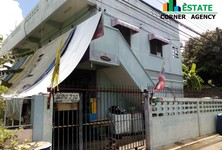For Sale Apartment Complex 8 rooms in Lam Luk Ka, Pathum Thani, Thailand