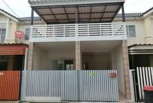 Продажа: Таунхаус с 3 спальнями в районе Khlong Luang, Pathum Thani, Таиланд