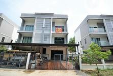 ขาย ทาวน์เฮ้าส์ 3 ห้องนอน เมืองระยอง ระยอง