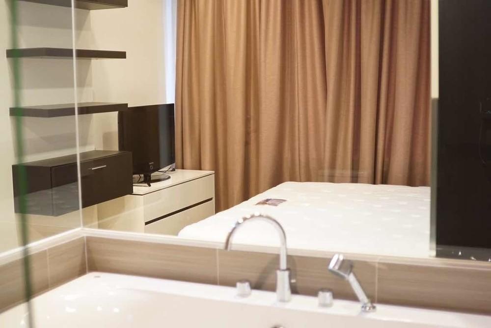 Siri at Sukhumvit - В аренду: Кондо с 2 спальнями возле станции BTS Thong Lo, Bangkok, Таиланд | Ref. TH-KUWZMIDK