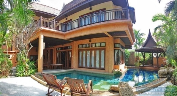 For Sale 4 Beds 一戸建て in Bang Lamung, Chonburi, Thailand   Ref. TH-XQFQCBPA