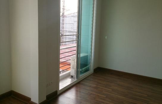 For Rent 2 Beds タウンハウス in Lam Luk Ka, Pathum Thani, Thailand | Ref. TH-FXUSMQRW