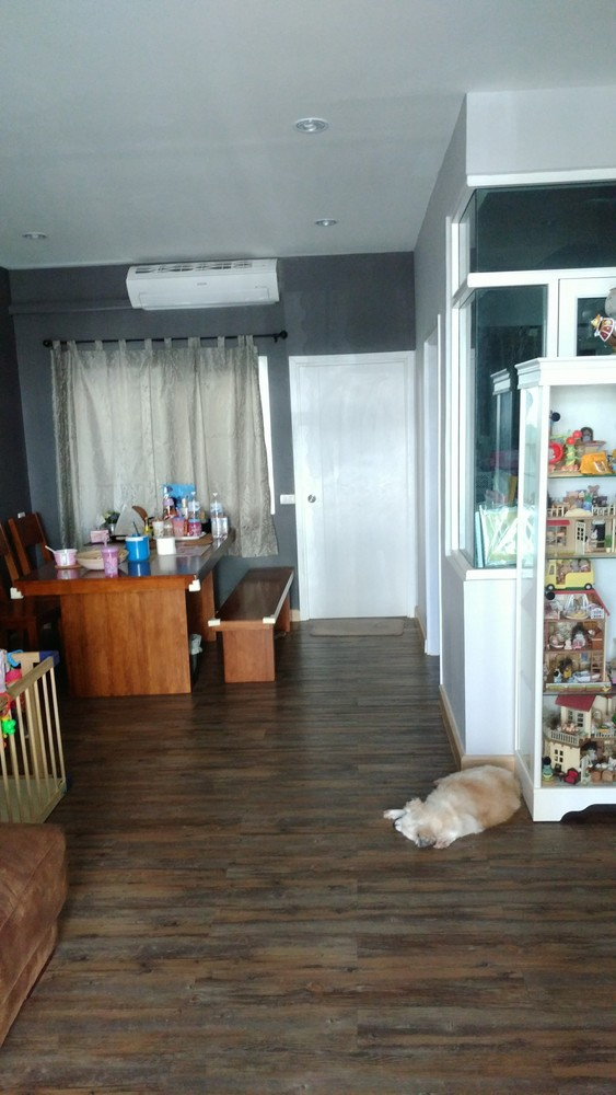 For Sale 4 Beds Townhouse in Don Mueang, Bangkok, Thailand | Ref. TH-NOHIWNSS