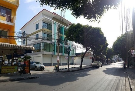 For Sale 3 Beds Shophouse in Lat Phrao, Bangkok, Thailand