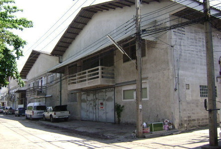 For Sale Warehouse 735 sqm in Lam Luk Ka, Pathum Thani, Thailand