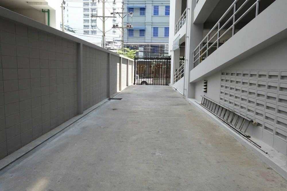 В аренду: Офис 124 кв.м. в районе Watthana, Bangkok, Таиланд | Ref. TH-NCFWYMCR