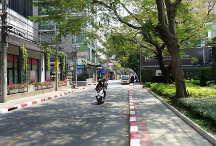 For Rent Office 124 sqm in Watthana, Bangkok, Thailand