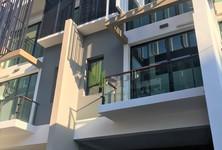 В аренду: Таунхаус с 3 спальнями в районе Bang Na, Bangkok, Таиланд