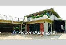 For Sale or Rent 3 Beds House in Bangkok, Central, Thailand