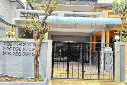 For Rent 5 Beds Townhouse in Lak Si, Bangkok, Thailand