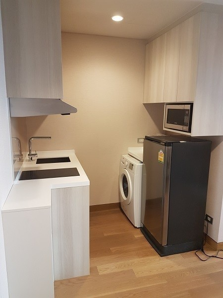 For Sale or Rent 1 Bed コンド in Khlong Toei, Bangkok, Thailand | Ref. TH-PALURUGQ