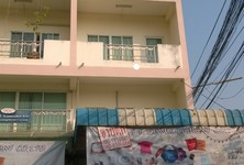 For Sale 3 Beds Shophouse in Mueang Nakhon Pathom, Nakhon Pathom, Thailand