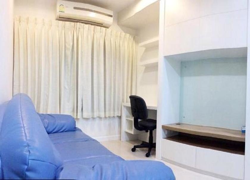 Q house condo sathorn for rent 1 bed condo near bts for Houses for sale under 20000 near me